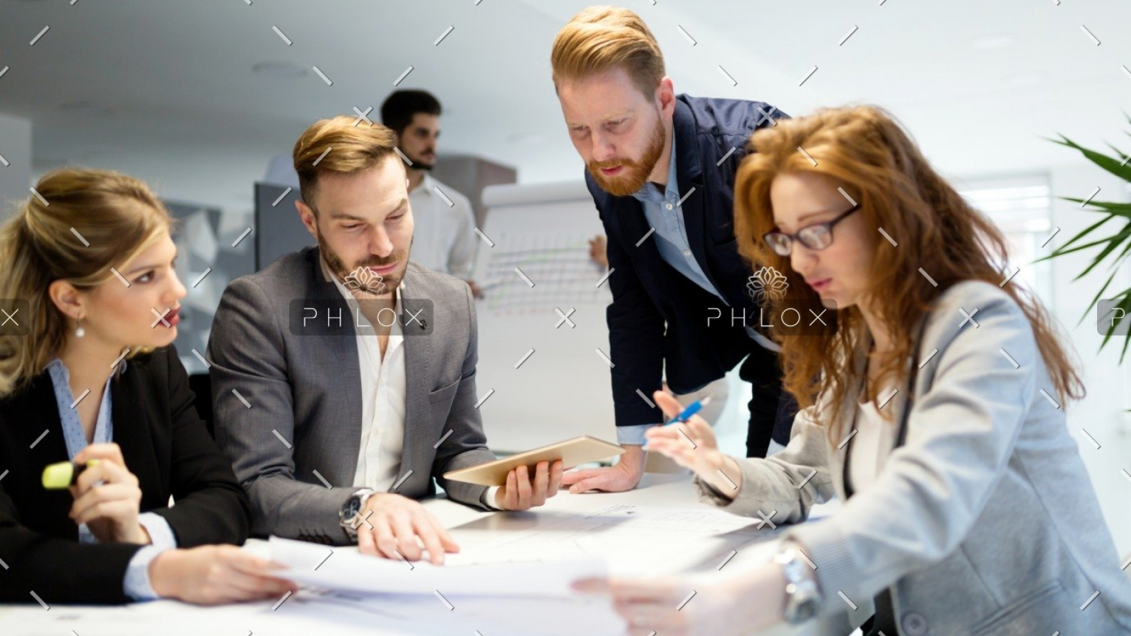 demo-attachment-1478-business-people-working-together-on-project-and-B3MZ4TX